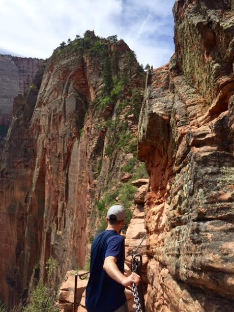 chain-to-angels-landing