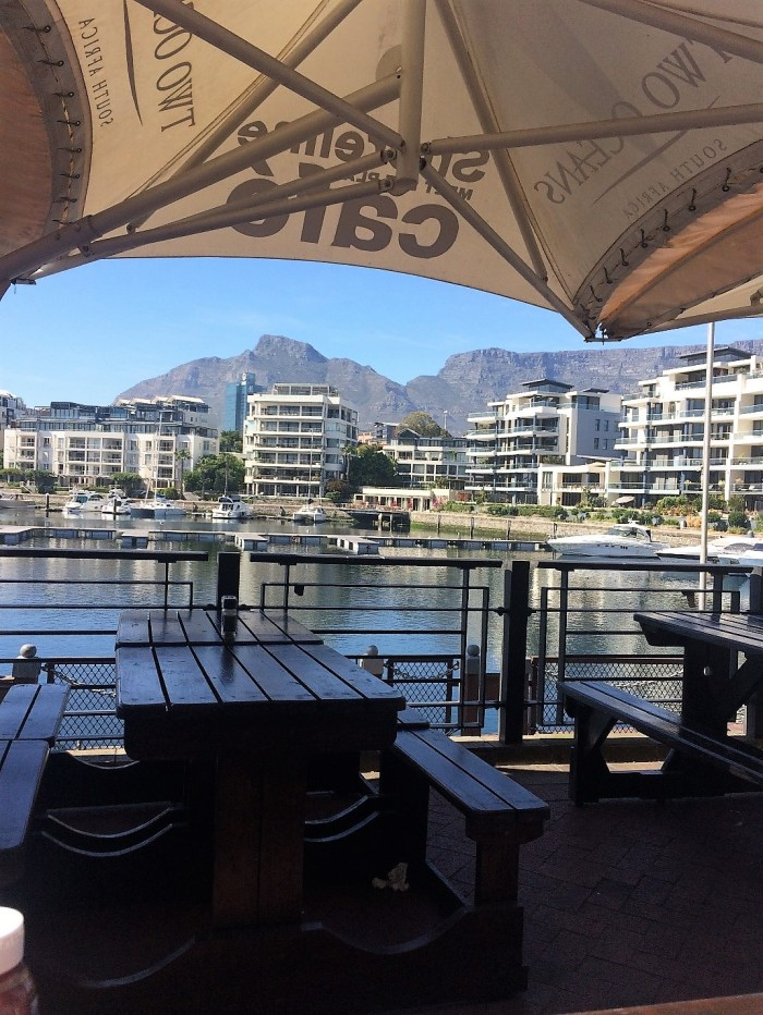 view-of-table-mountain-from-breakfast