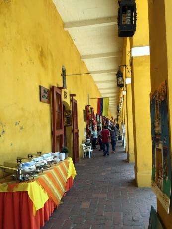 Las Bovedas Market