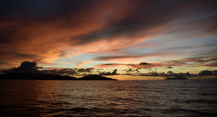 Sunset sailing from Praslin